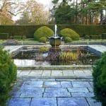 Fontanna – ozdoba przydomowego ogrodu